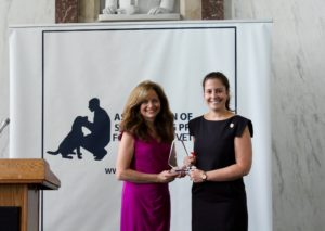 WUSA Channel 9's Andrea McCarren presents Rep, Elisa Stefanik with the Leash of Leadership Award.
